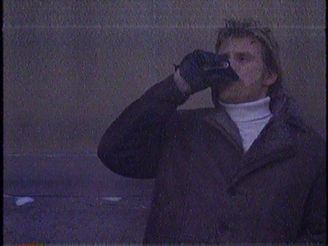 No one will EVER recognize me in my brilliant drunkard disguise!